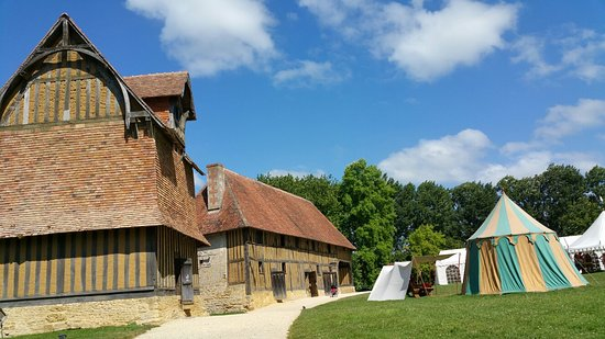 Crevecoeur-en-Auge, France : Some of the scenes from our visit in July 2016