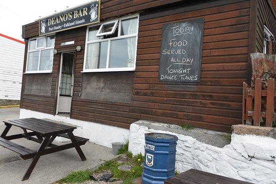 Deano's Bar Photo