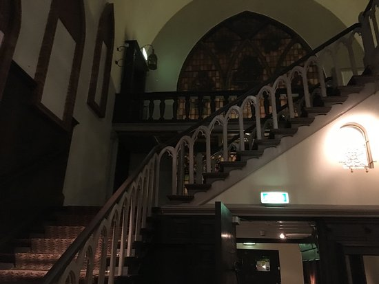 Zeist, Holandia: the stairs retook to the honeymoon suite 26 years ago....