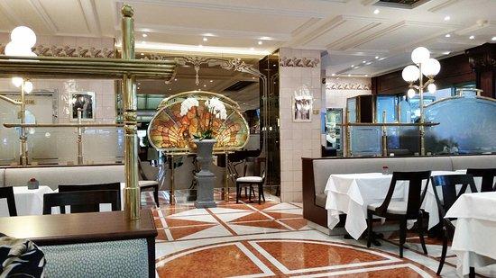 Cafe de Paris Monte-Carlo : Inside Cafe de Paris