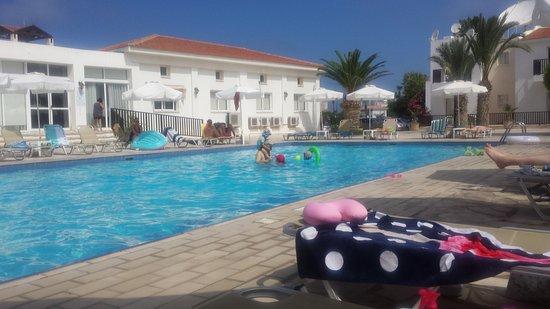 Akti Beach Tourist Village: quiter pool.