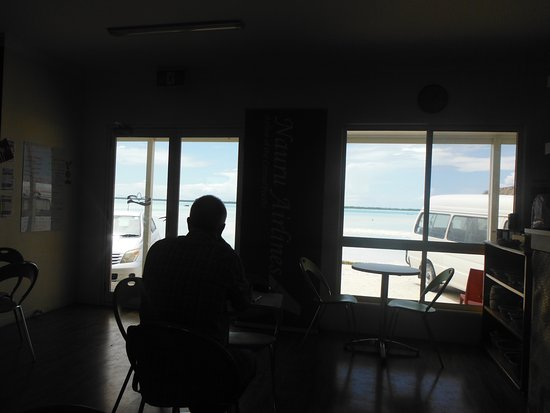 Chatterbox Cafe: Sorry about the phone quality, but this is the view out to the lagoon