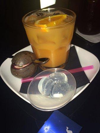 b:free cocktail bar: photo1.jpg