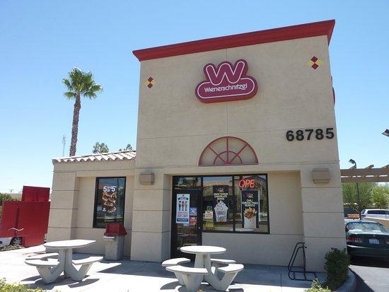 Cathedral City, Californie : Wienerschnitzel
