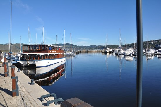 Knysna Lagoon : The Lake's Harbor