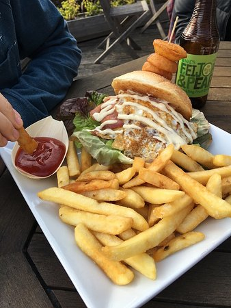 Pohara, Yeni Zelanda: Late Breakfast Burger