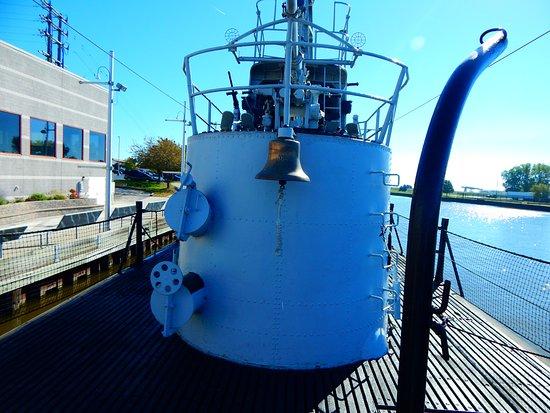 แมนิโทวอก, วิสคอนซิน: The Subs bell.