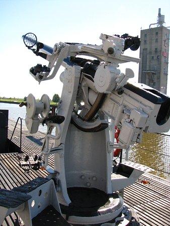 Manitowoc, WI: Deck gun.