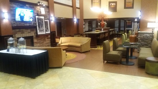 Hampton Inn & Suites Boise-Meridian : Hotel lobby/breakfast area