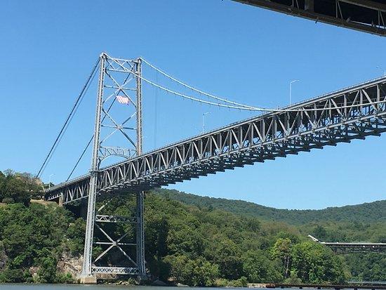 Peekskill, Nova York: Bear Mountain Bridge