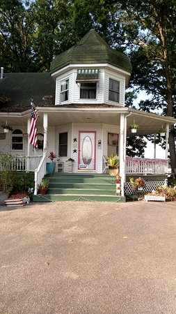 Monticello, IN: Victorian Bay Resort