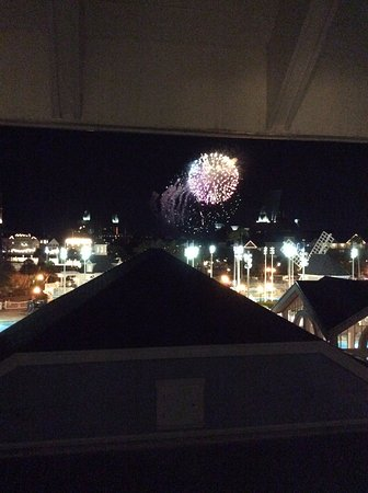 ‪‪Disney's Beach Club Resort‬: Epcot fireworks from room 4709‬