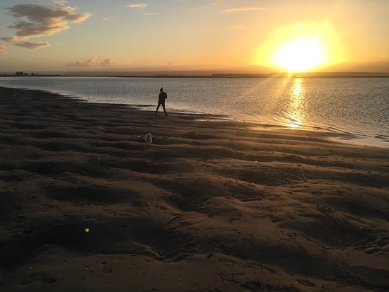 Nelson, New Zealand: Tahunanui Back Beach sunset