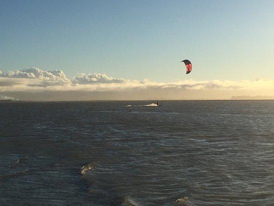 เนลสัน, นิวซีแลนด์: Tahunanui Back Beach - wind surfers