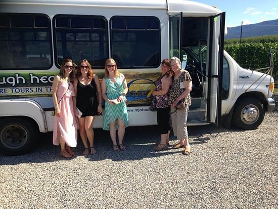 Vernon, Canada: The crew with the bus