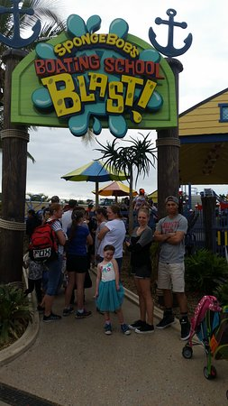 Main Beach, Australia: Riding the coasters for Kids