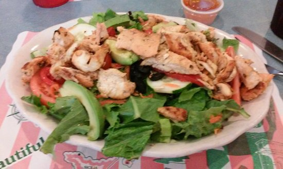 Lavallette, NJ: Mia's salad with chicken
