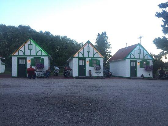 Chalet Motel: photo1.jpg