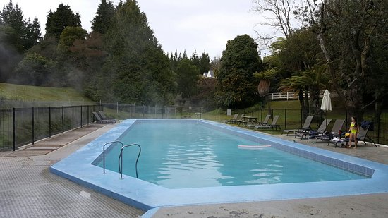 Wairakei Resort Taupo: Outdoor heated pool and forest bike trails