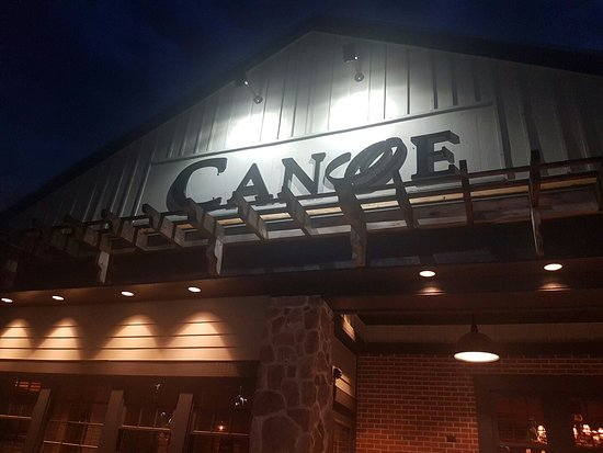 Bedford, Nueva Hampshire: Canoe Restaurant and Tavern