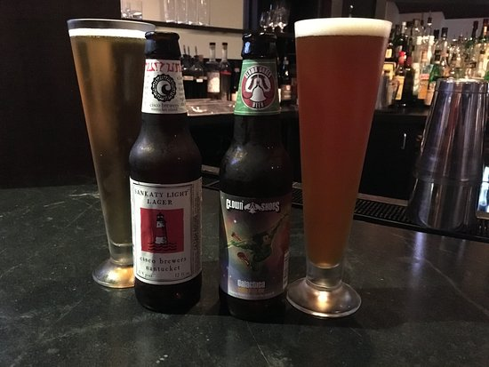 Concord, MA: trying local beers while waiting for a table