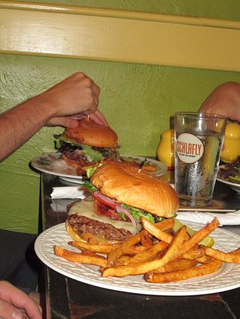 Chesterton, IN: Now that's a burger!