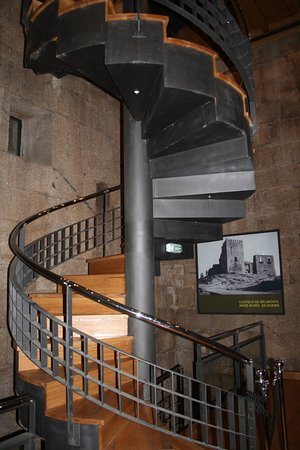 Belmonte, Portugalia: Spiral staircase inside the museum