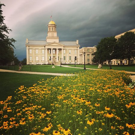 Iowa City, IA: Beautiful summer day, thunderstorm approaching