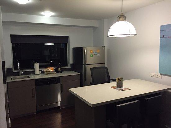 Evanston, IL: Kitchen