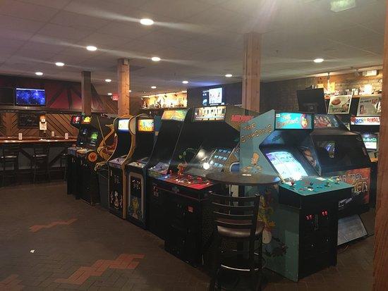 Mount Prospect, IL: Games!