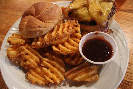 Mount Horeb, WI: Burger & Waffle Fries