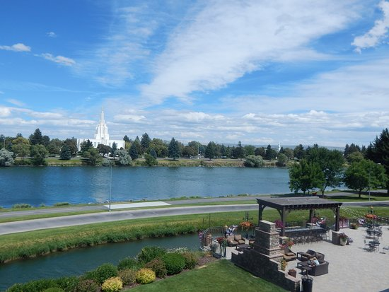 Idaho Falls, ID: Beautiful river view from our balcony