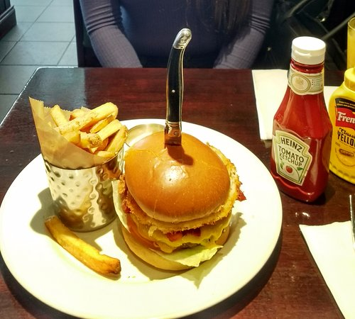 Hard Rock Cafe: burger