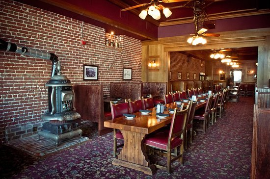 Lincoln, CA: Main Dining Room