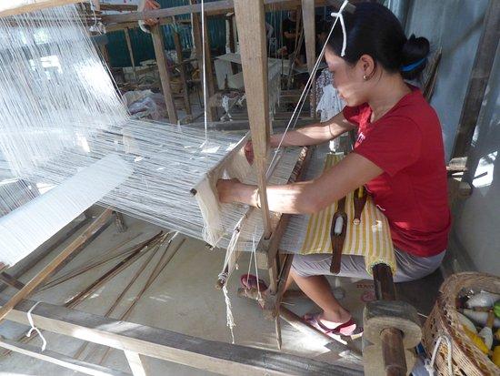 Mai Chau, Vietnam: weaving