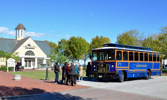 Yorktown, Βιρτζίνια: Riverwalk Landing - Free Trolley