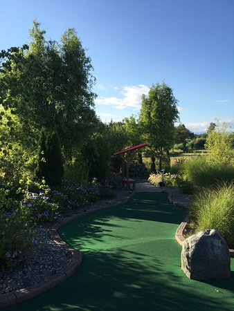 Surrey, Canada: Hi-Knoll Driving Range & Mini-Golf