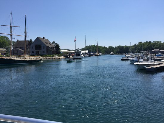 Kennebunkport, ME: Leaving the dock - heading out!