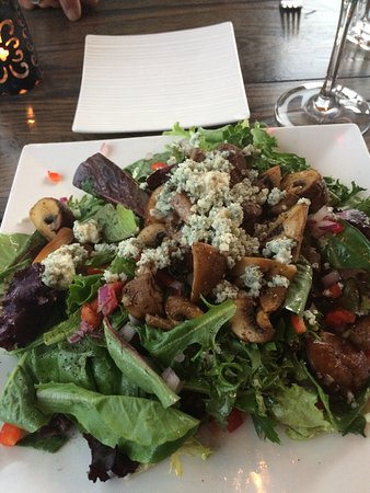 Promenade Cafe and Wine : Mushroom salad with greens, blue cheese and sherry vinegrette