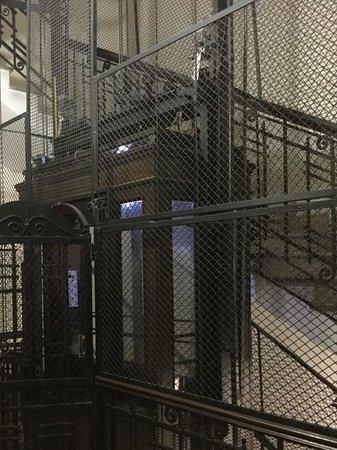 Suites Trastevere: The fabulous lift to BB Suites.