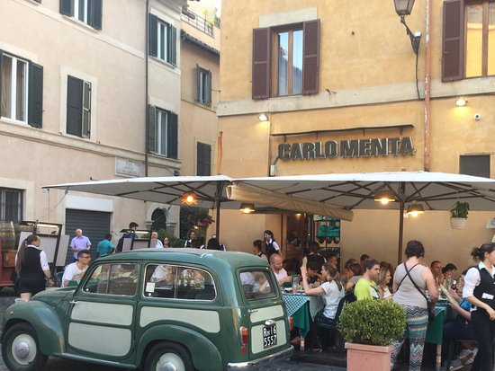 Suites Trastevere: Carlomenta, for great dining. Try the Panna Cotta and Limoncello at €3 each. Amazing!
