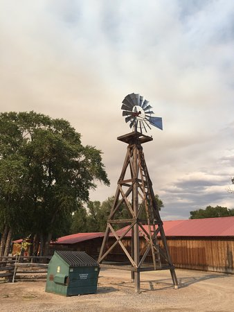 Dubois, WY: The Longhorn Ranch Lodge & RV Resort