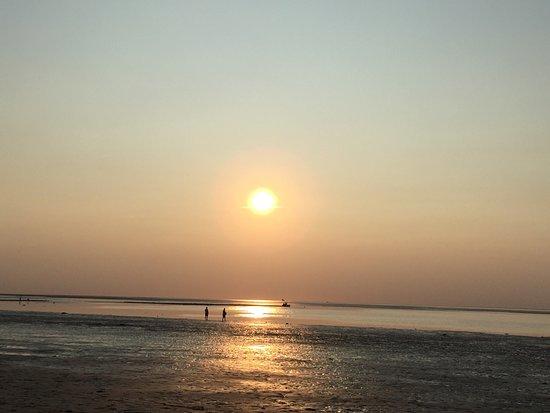 บรูว์สเตอร์, แมสซาชูเซตส์: Sunset at the private beach