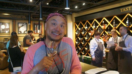 West Kelowna, Canadá: Wine tasting.