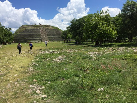 Izamal  Ruins: photo1.jpg