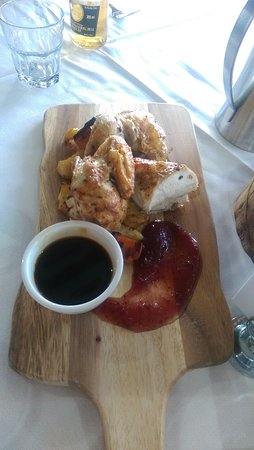 Monbulk, Austrália: my partners lunch, Roast Chicken