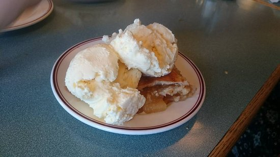 Fort Macleod, Canadá: Apple pie with icecream