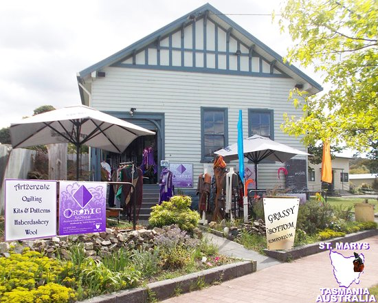 St Marys, Австралия: ORPHIC Art2Wear at GRASSY BOTTOM EMPORIUM TASMANIA