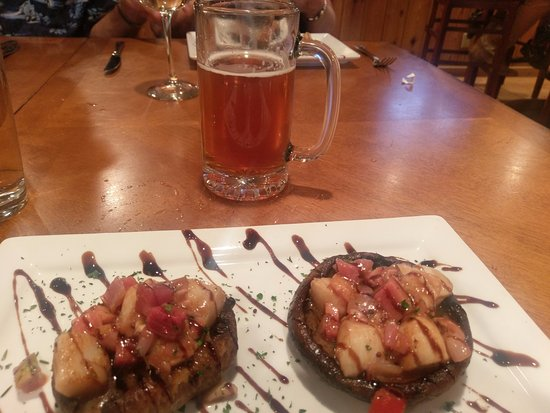 Saratoga, WY: Snowy Range Brewery in Resort served portabellas with scallops & watermelon radishes & Great bee