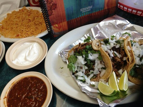 Hartsville, TN: Some of the best..if not my favorite, carnitas tacos!